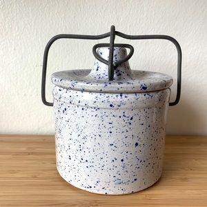 Vintage white and speckled blue pottery Jar w/kid